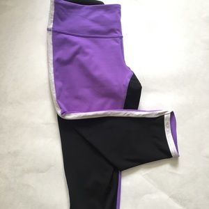 Lululemon Woman Purple Black Capri Pants